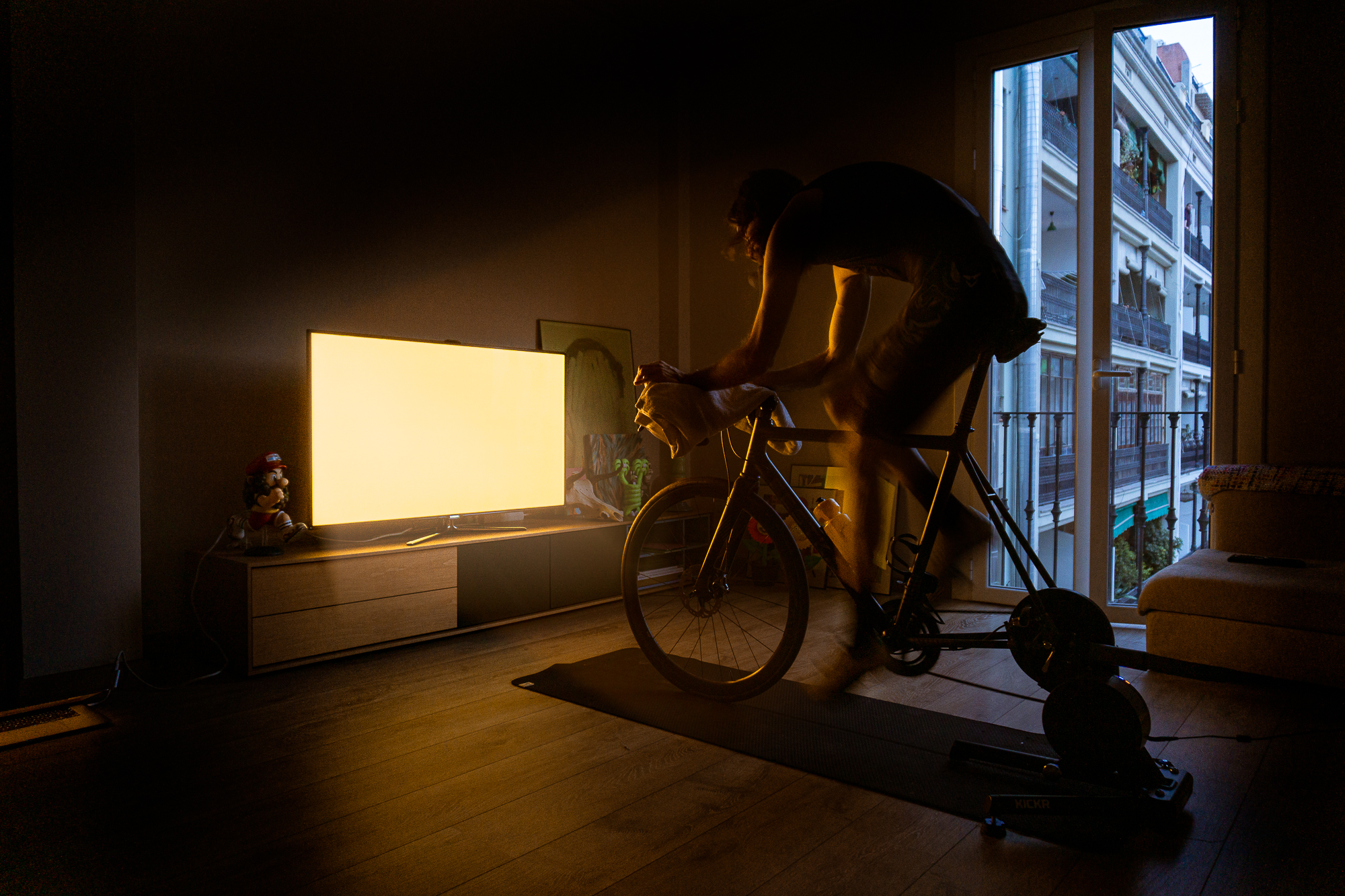 LIGHT BEHIND LOCKDOWN –  Lighting up your pain cave
